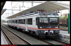 Pamplona (renfealvia) Tags: renfe regional regionales 470 440 440207 207 expres pamplonamiranda de ebro navarra comunidad foral estacin pamplona tren train trains trenes espaa spain europa