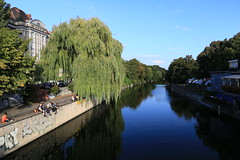 Die Spree am Maybachufer (Pascal Volk) Tags: berlin berlinneuklln spree maybachufer fluss river wideangle weitwinkel superwideangle superweitwinkel ultrawideangle ultraweitwinkel ww wa sww swa uww uwa canoneos6d canonef1635mmf4lisusm 28mm