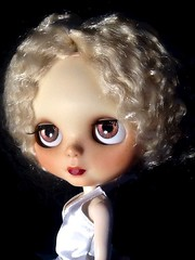 Blythe-a-Day August #1: Some Like it Hot: The New Mary Maine Madison
