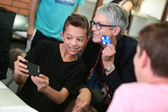 Jamie Lee Curtis with supporter (Gage Skidmore) Tags: jamie lee curtis hillary clinton 2016 president presidential campaign phone bank volunteer tempe campus office supporters secretary state arizona