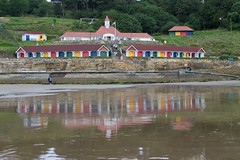 The Clock cafe and beach huts (smir_001 (on/off)) Tags: sea seawater seapools southcliffgardens clockcaf beachhuts colourful nature outdoor lowtide rocks architecture historicalgardens history september autumn canoneos7d coastline coast scarborough northyorkshire england uk gb reflections tourism attractions tourist seaside colors