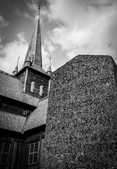 Lpida (Stavkirke Lom) (serarca) Tags: lapida stone tumba tomb iglesia church medieval siglo xii cementerio lom noruega norway cementery stavkirke