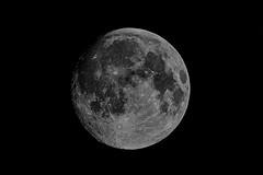 full moon (rondoudou87) Tags: lune moon full pleine blackwhite black blanc noiretblanc noir nuit night pentax k1 espace space satellite
