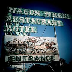 Rock Me Mama Like a Wagon Wheel (Thomas Hawk) Tags: california oxnard usa unitedstates unitedstatesofamerica venturacounty wagonwheelmotel wagonwheelrestaurant neon wagonwheel
