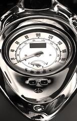 Chromes (mrieffly) Tags: moto chromes compteur canoneos50d