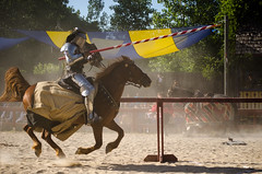 Sir Maxmillian riding Kimberly (Pahz) Tags: horses horse renfaire joust bristolrenaissancefaire jousting brf hanlonleesactiontheater