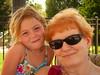 Lison et Océane (jacintheleblanc) Tags: de yeux points été lunettes piscine fumées bleus océane lison rousseurs