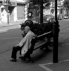 Dream of trips - Rve de voyages ou voyages de rve (p.franche) Tags: old brussels blackandwhite man europe solitude belgium belgique noiretblanc think bruxelles brussel homme seul penses etterbeek belge ag pfranche