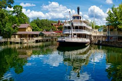 Liberty Belle (Don Sullivan) Tags: world vacation reflection canon square liberty orlando florida magic kingdom disney waltdisneyworld walt magickingdom hauntedmansion orlandofl libertysquare libertybelle riversofamerica canonef2470mmf28l riverboard canoneos5dmarkiii