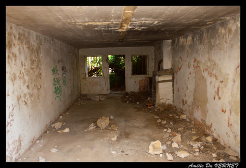 "Urbex - Bunkers • <a style=""font-size:0.8em;"" href=""http://www.flickr.com/photos/60395175@N00/7723288472/"" target=""_blank"">View on Flickr</a>"