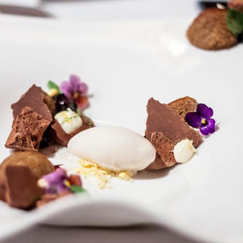 Leigh Omilinsky Sofitel desserts-21.jpg