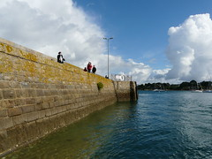 ...towards the sky .. (gerrygoal2008) Tags: ocean blue sea france west bay pier stones wave bretagne walkers morbihan jete golfe masonery maconnerie ouest concordians