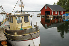 Borkbo (Lnsmuseet Gvleborg) Tags: sweden boathouse fishingboat fishingvillage hlsingland fiskebt bthus fiskelge suringen borkbo borkbosuringen