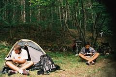 Chillin' (Federico Raviele) Tags: wild cicloturismo film nature bike analog nikon fuji kodak federico abruzzo majella valerio pescara menicucci cicloviaggio raviele