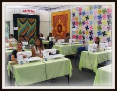 A sala estava mais colorida! (Joana Joaninha) Tags: minasgerais oficina belohorizonte janome joanajoaninha