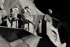 Sagrada familia - Sainte Veronique (Fred (Mi.Femme.Mi.Fouine)) Tags: statues barcelona art pentaxk10d pentaxart sagradafamilia