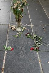 Saskia's Grave (NZGandG) Tags: netherlands holland church oudekerk amsterdam