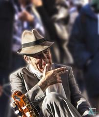 Fumando espero (ainelucero) Tags: tanguero descanso hombre caba buenosaires argentina