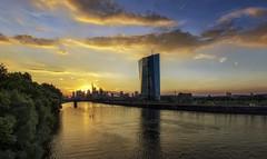 Frankfurt Skyline und EZB, Sunset (Frawolf77) Tags: frankfurt city skyline cityscape ezb ecb sunset sonnenuntergang cloudporn clouds