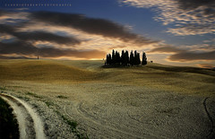 il tempo dell'ascolto (swaily ◘ Claudio Parente) Tags: toscana tuscany italy valdorcia nikon d300 sunset tramonto claudioparente swaily