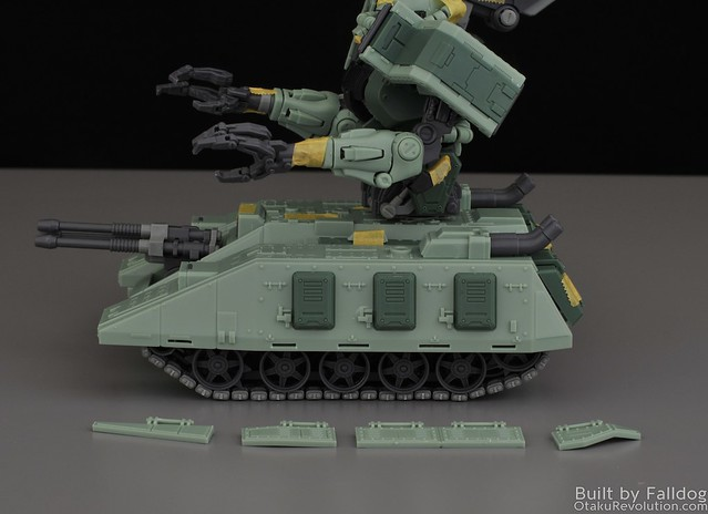 Motor King - 1-100 Zaku Tank Review 2 by Judson Weinsheimer