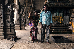 India - The Family (Enricodot ) Tags: enricodot family famiglia people portrait portraits eyes temple street streetphotographer