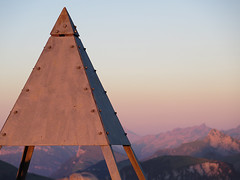 Stanserhorn 26.8.2016 (Priska B.) Tags: stanserhorn stans nidwalden berg horn gipfel cabrio bahn seilbahn luftseilbahn sonnenuntergang kraftort felsen schweiz switzerland swiss svizzera innerschweiz unterwalden ch sonne hchster punkt
