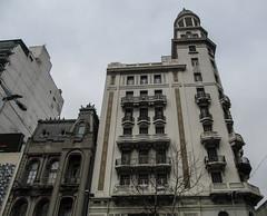 "Montevideo: la Plaza Entrevero <a style=""margin-left:10px; font-size:0.8em;"" href=""http://www.flickr.com/photos/127723101@N04/29668813581/"" target=""_blank"">@flickr</a>"