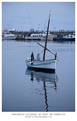 Arribant al Port de Cambrils (steelmancat) Tags: barques cambrils port pescador mar canon 5d mark ii 28135