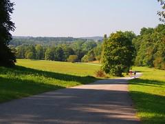Der Weg zum Herbst (EdgarJa) Tags: wiese wald deutschland stuttgart vaihingen sptsommer herbst spaziergnger germany autumn