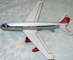 MOMOYA JET PASSENGER PLANE - Northwest (NyamalaTone) Tags: vintage airplane toy tin collectible flugzeug jouet avion juguete hojalata tinplate blechspielzeug