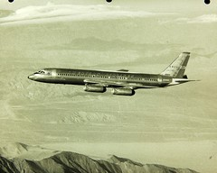 Convair , 990, Coronado (San Diego Air & Space Museum Archives) Tags: coronado americanairlines airliner 990 convair astrojet quadjet n5605