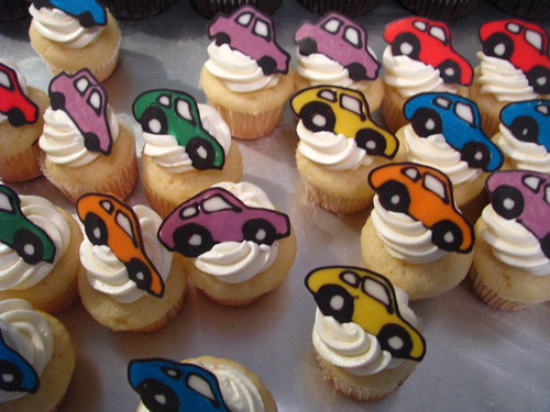 Little car cupcakes... going in all directions