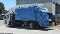 Tampa Solid Waste - CCC / Loadmaster REL - 1356 (FormerWMDriver) Tags: trash truck garbage tipper crane rear collection company rubbish end series ccc waste cart refuse loader load legacy carrier rl sanitation excel grl rel bayne loadmaster 1920x1080 cityoftampa rearloader rearload solidwastedepartment