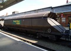 Freightliner HXA Wagons at Shrewsbury (chrisbell50000) Tags: station train truck wagon accident rail railway cargo shrewsbury coal hopper derailment freightliner hxa chrisbellphotocom