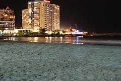 Iquique cavancha (Andrs Reyes) Tags: chile city beach night luces noche mar edificios ciudad playa arena nocturna desierto pacifico costanera iquique cavancha terrado playacavancha iquiquechile fotografanocturna terradosuite hotelterrado costaneraiquique iquiquecavancha terradoiquique hotelterradoiquique iquiquenight
