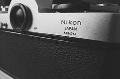 NIKON EL (mariliz12) Tags: bw white black japan lens reflex nikon el lente bianco nero nikkormat obiettivo
