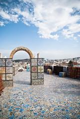 Tunisi (Choollus) Tags: travel roof summer sky clouds nikon nuvole tetto estate tunisia tunis mosaics himmel ciel cielo nubes verano viaggio tunisie viajar moschea toits tunisi viajo mosaici riuns viaggiare nikond3000