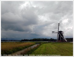 De Helper (Dit is Suzanne) Tags: lake netherlands windmill meer nederland molen paterswoldsemeer windmolen haren  views50  paterswoldermeer  ditissuzanne  dehelper  samsunggalaxygio 201207141226copy2