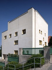 Adolf Loos @ Villa Muller [1928-1930] (d.teil) Tags: city white house classic home architecture modern private prague prag praha architect villa housing mller 1930 adolfloos dteil raumplan