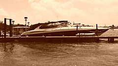 The little boat (johnmoralesh) Tags: vacation vacaciones filtro sepia filtre boat water sea speed cancn
