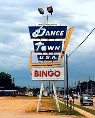 Dance Town USA (Rob Sneed) Tags: texas houston airlinedrive dancehall honkytonk countrymusic venue dances concerts texasdancehall harriscounty advertising vintage neon bingo iconic historical texana americana usa urban texasgulfcoast dancetownusa