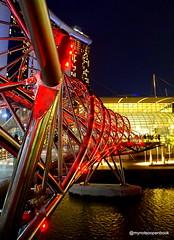 Helix Bridge @ Marina Bay (Raw Nald) Tags: singapore marina bay sands helix bridge
