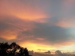 Sunset. (presteza777) Tags: sunset tramonto puestadelsol coucherdusoleil sky clouds nuvole nuabes
