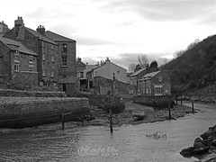 Roxby Beck,Staithes-25 (Kev's.Pix) Tags: staithes roxbybeck seaside coast coastline northernengland northyorkshire beck eastcoast eastcleveland mono cottages village