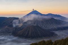 Gn.Bromo (WonderAkira51) Tags: volcano crater caldera alpenglow