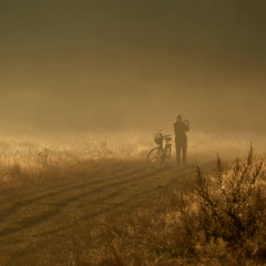 She and I (me*voil - on and off) Tags: altebult hannover morning fog meadow woman photographer golden