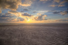 Warm light (blavandmaster) Tags: 6d clouds himmel ciel countryside 2016 landschaft seascape plage sommer sonnenuntergang hvidbjergstrand summer wolken 24105 noordzee christiankortum canon nordsee danmark mrdunord sand landscape strand danish sable vesterhavet august sea happy dnemark blvand blavand wasser mighty water sunset denemarken interesting jtland harmonic light jylland beach northsea zomer perfect nuages eau see denmark sky