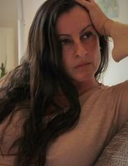 me (Kiara Clarecita) Tags: me io moi chiara tamburini kiara clarecita selfie selfportrait autoritratto ritratto portrait retrato 2016 color colori photo foto photographie photography art arte beige donna woman femme dame frau capelli cheveux hair brune bruna brunette regard sguardo glance