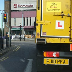 Definitely DO NOT cycle up there! (Crusty Streets) Tags: cyclists beware lgv hgv l plates learner driver